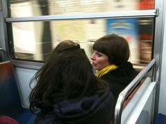 Echarpe jaune Ligne 10 (terzoorso) Tags: paris colors yellow underground metro candid mtro snapshot tube snapshots candidphotography parisunderground mtroparisien