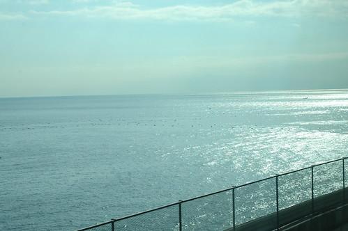 車窓からの海