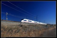 Fast, Faster, Fastest! (Raul Salinas) Tags: barcelona madrid speed train canon trenes photography eos high salinas spanish ave raul alta velocidad lleida renfe española 300kmh 40d 187mph