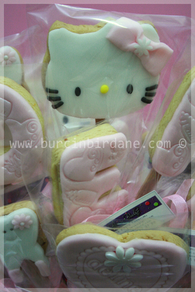 Dis Kurabiyeleri Hello kitty