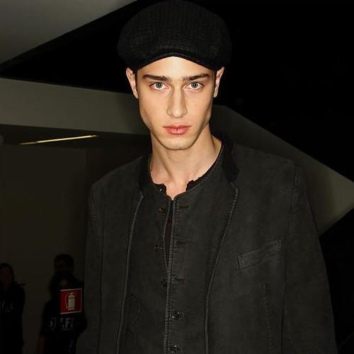 Aram Gevorgyan3087_FW10_Milan_Dolce&Gabbana BS(hint mag)
