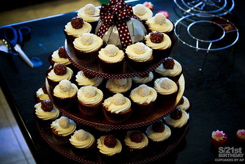 Cupcakes by anniehs, on Flickr