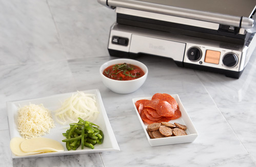 Making Pizza In A Breville Smart Grill Food Thinkers By