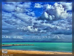 Des nuages et des nuages... Clouds and clouds ... Wolken und wolken ... Nubes y nubes ... Nuvole e nuvole ...   (Rached MILADI - ) Tags: blue sunset sky cloud mer beach nature beautiful lumix good seagull bonito sable super panasonic bleu reflet shore cielo puestadesol  nuage paysage plage better gaviota fz nube tunisie  rochers 38  rivage  mouettes           salammbo rached salammb  salambo flickrdiamond miladi  salamb rachedmiladi  fz38 dmcfz38 peregrino27newvision