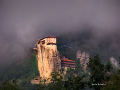 Kalampaka Meteora - Greece (Marioleona) Tags: mountains church clouds nuvole paisaje mount greece grecia orthodox mont paesaggio montanhas montaas meteora monasteries kalampaka monasteri ortodossi platinumphoto   mariobrindisi cainapoli