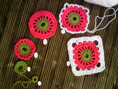 Circle in a Square - tutorial (Pink Pink) Tags: flowers winter crochet babyblanket circleinasquare yarns