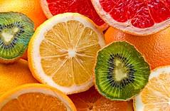 Frutta! (Riccardo Maria Mantero) Tags: macro fruit lemon nikon kiwi frutta limoni d300 arance mantero agrumi pompelmi riccardomantero riccardomariamantero ljsilver71