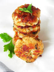 Salmon patties/cakes (Soma.R) Tags: sammy lowcarb comfortfood healthysnack fishcakes fishburger salmonrecipes quickandeasy homemadefishcakes salmoncakes salmoncroquettes fishcutlet budgetmeal fishrecipe budgetfood burgerpatties seafoodrecipe healthyburger healthyfishrecipe quickfishrecipe burgerwithatwist fishappetizer fishcroquettes friedsalmonpatties herbedsalmonpatties homemadepatties howtomakefishpatties howtomakesalmonpatties lunchtimepatties macherchop machercutlet nonvegetarianappetizer recipeforsalmonpatties salmonpattiesmadeeasy salmonpattiesrecipe sammypatties sammyrecipe seafoodburgerpatties
