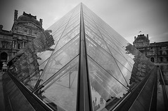 Louvre Reflections (carlos_seo) Tags: bw white black reflection museum architecture digital photo nikon europe pyramid image louvre picture royal musee tokina palais 28 ming vignette pei 2010 museedulouvre louvremuseum d90 1116 ieoh