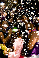 The foam battle (flavita.valsani) Tags: carnival pink people orange black green yellow kids samba purple sopaulo sampa foam streetcarnival espuma folia bixiga bexiga festapopular valsani blocodosesfarrapados vilabelavista guerradeespuma