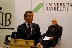 Michel Friedman -Erster Redner Pro Leitkultur- eröffnet die Dabatte...