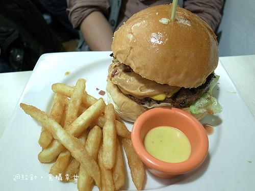 發福廚房花生醬牛肉漢堡