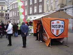Utrecht: Campaigning for Local Elections (harry_nl) Tags: netherlands utrecht elections campaign campagne 2010 verkiezingen gemeenteraad groenlinks towncouncil trotsopnl leefbaarutrecht