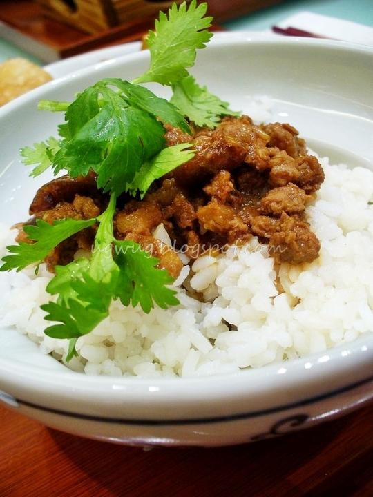 Minced Pork on steamed rice