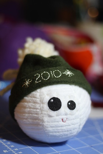i made a hat for my snowballs to commemorate the blizzard(s) of 2010