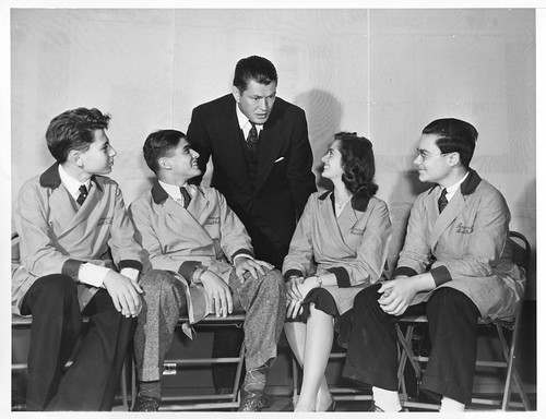 Gene Tunney (1897-1978) and science fair participants, September 24, 1940, by Westinghouse Electric and Manufacturing Company, Black-and-white photograph, Smithsonian Institution Archives,Acc. 90-105 - Science Service, Records, 1920s-1970s, SIA Acc. 90-105 (SIA2010-0192).