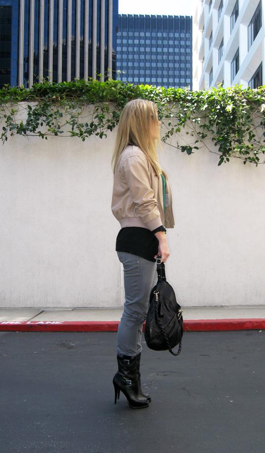 Triumph t-shirt gray jeans stiletto biker boots-original