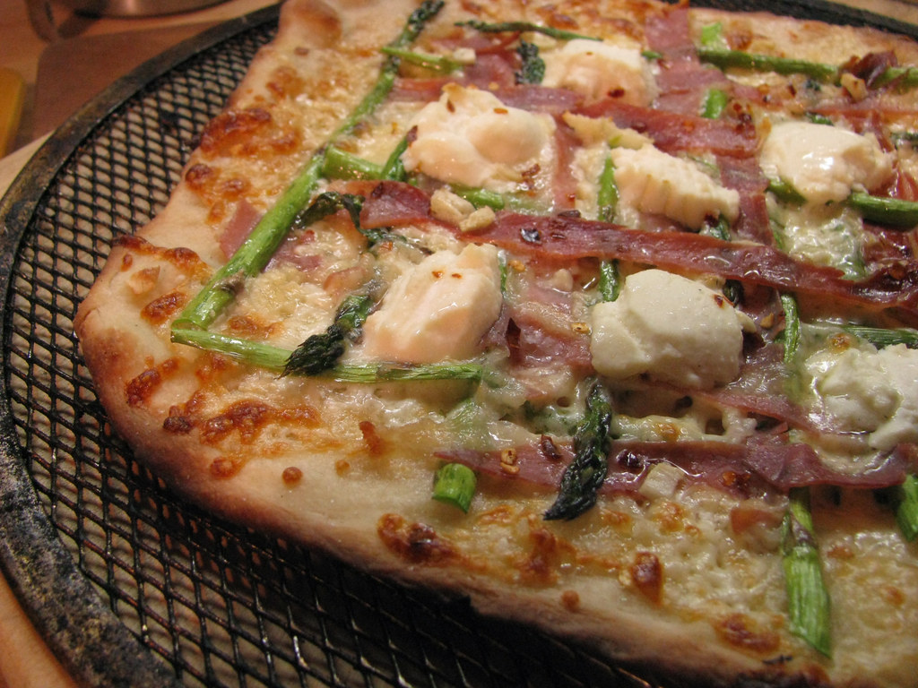 asparagus prosciutto pizza _ after