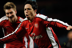 Arsenal v Porto (toksuede) Tags: uk england london portugal sports sport foot football nikon fussball britain soccer great emirates porto deporte futbol samir arsenal futebol league champions d3 2010 calcio gunners nasri