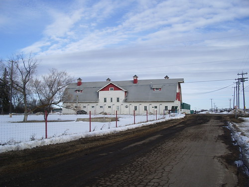 U of A farm, barn