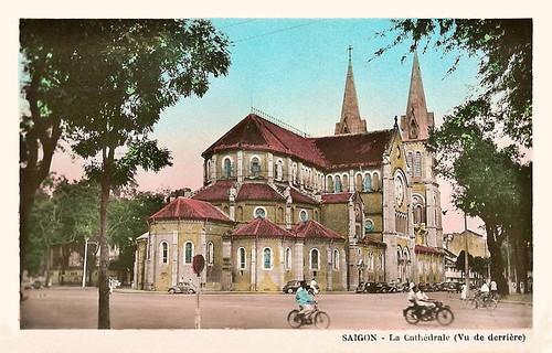 Saïgon - la Cathédrale vue de derrière