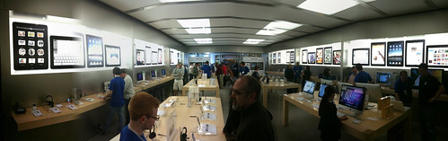 Apple Store in Portland, Maine - iPad Launch Day