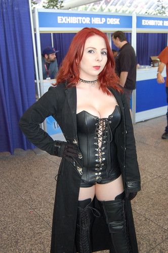 WonderCon 2010: Jean Grey Black Queen