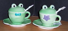 Collectibles, Etc. - Frog Tea Set