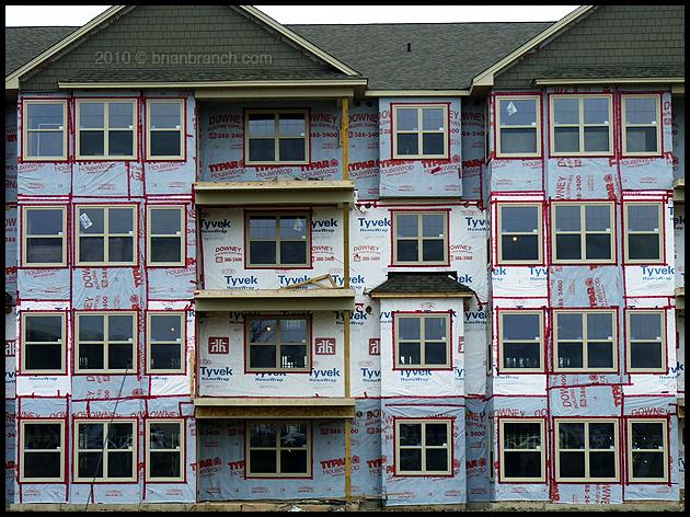 P1090326_appartment_block