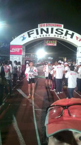 """宮古島フィニッシュ、12:32'57""""##22 。ストロングマンになりました。 #miyakotri2010"""