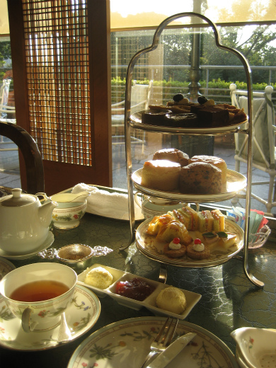 Afternoon tea at Four Seasons Tokyo at Chinzan-so