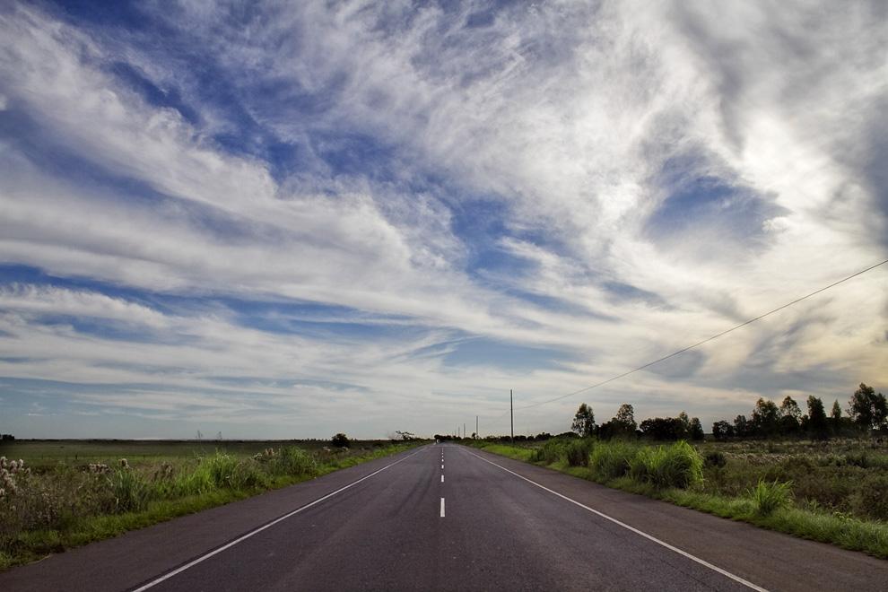 Camino a San Pedro, pasando por el pueblo de 25 de Diciembre. (25 de Diciembre, Paraguay - Tetsu Espósito)