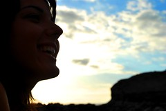 Esa sonrisa (Mariano Rupérez) Tags: grancanaria mujer chica ella playa cielo sonrisa alegría veneguera