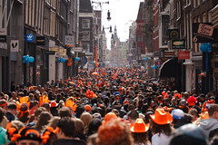 Koninginnedag 2010 Amsterdam - Orange mass crowd in Leideplein (Fabi Fliervoet) Tags: birthday family party orange holiday holland dutch amsterdam 30 walking boats togetherness back market unity stock thenetherlands hats royal parties canals queen celebration national heads april concerts juliana jam craze festivities crowds 2010 queensday koninginnedag nationalholiday wilhelmina freemarket april30 april30th koningin wilhemina thechallengefactory fabifliervoet