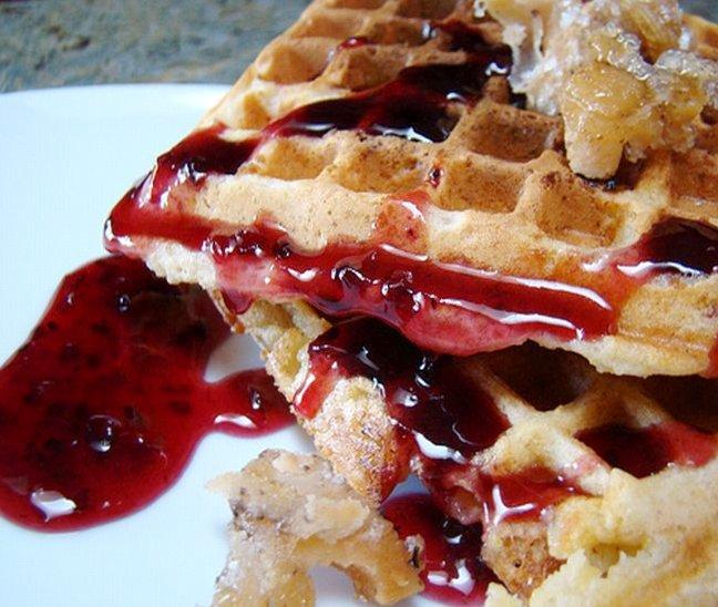 coconut-waffles-raspberry-sauce