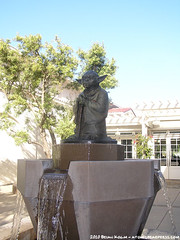 Presidio statue of Yoda near Lucas Arts