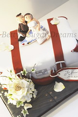 wedding cruise (Bettys Sugar Dreams) Tags: rose cake germany deutschland groom bride ship hamburg ivy betty luggage rosen hochzeitstorte aida torte koffer efeu torten gumpaste lillyofthevalley motivtorte bettinaschliephakeburchardt polymereclay bettyssugardreams suitecake