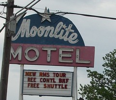 Moonlite Motel (Storybook Ranch) Tags: motel