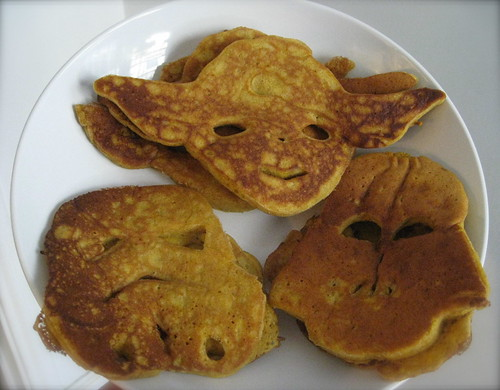 """Star Wars"" pancakes!!"