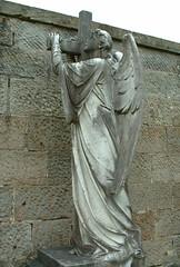 Angel, Cambusnethan Cemetery, Wishaw, Scotland (Grangeburn) Tags: cemetery scotland graves churchyard tombstones gravestones lanarkshire cambusnethan wishaw