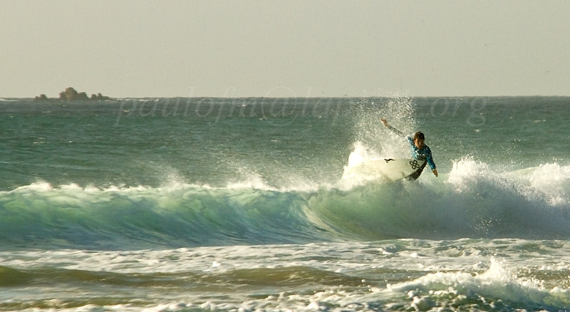 3619_Surfer_Abril_sec03_CRaCS4_800x438_bicúbica