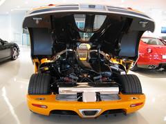 Koenigsegg CCX Engine (SuperCarMania Photos) Tags: hamann ferrarif430 dodgeviper mercedesslr gemballamiragegt sscaero novitecporschecarreragttechart gemballamoslermt900 ferrari575superamericaastonmartinvanquishs astonmartindbsastonmartinv12vantagebrabuswidestargumpertapolloferrarienzobugattiveyronbugattiveyrongrandsportbugattiveyronsangnoirbugattiveyroncentenairegemballaavalanchebentleysupersportmclarenf1alfa8cspider