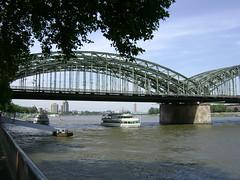 Kln, Hohenzollernbrcke (Hlne_D) Tags: germany deutschland cologne kln nrw allemagne koeln nordrheinwestfalen northrhinewestphalia rhnaniedunordwestphalie hlned