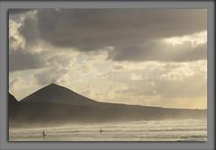 """""""SURFERO"""" (bresso-fotografias) Tags: surf arena pico montaa marisma olas miedo amistad tablas galdar guia olor surfear surfeo"""