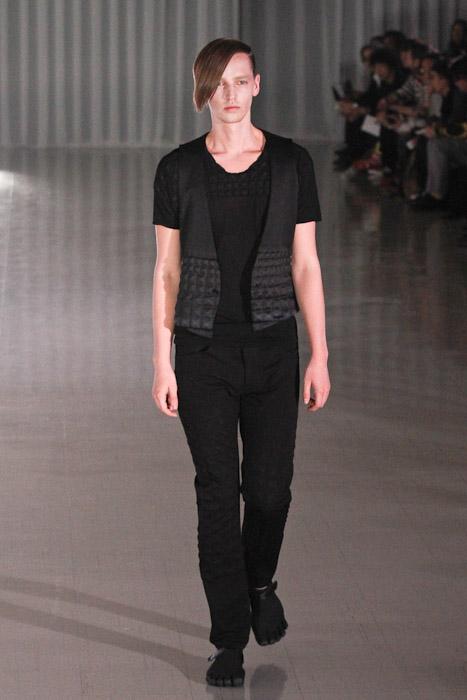 Rutger Derksen3069_SS11_Tokyo_MOLFIC(Fashionsnap)