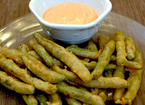 Fried Green Beans with Spicy Dipping Sauce