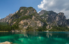 Pragser Wildsee / Lago di Braies (CBrug) Tags: pragserwildsee lakeprags lakebraies lagodibraies südtirol southtyrol altoadige italia italy italien toblach prags see lac lake lago llac о́зеро insjö jezioro tó wasser water bach creek landschaft landscape outdoor natur nature green grün berge mountains montagnes montagne berg mountain
