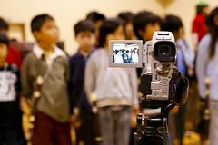 Shooting (akiko@flickr) Tags: school kids performance elementary 学習発表会