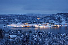 blue time... (Kaire K) Tags: blue winter norway drbak bl bltime vanagram canoneos1000d imagesforthelittleprince