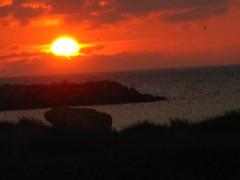 CAE EL SOL EN CARTAGENA (danieltoror) Tags: sunset sea costa sun mer sol beach coast soleil mar twilight colombia playa du bolvar tropical tropic ligth plage upon couche trpico couchedusoleil